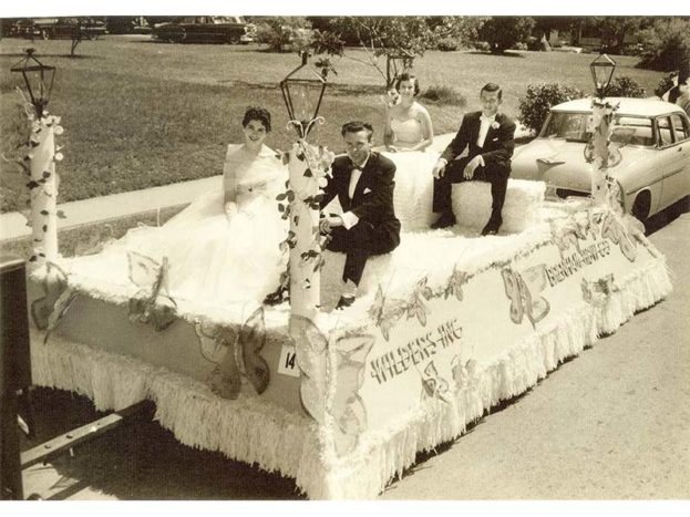 Maifest float, date unknown